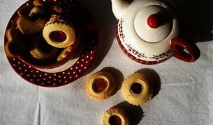 Biscotti doppi con marmellata